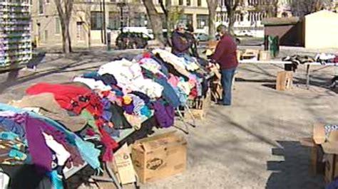 Free Giveaway Winnipeg - ron eldridge holds winter clothing giveaway for homeless ctv news winnipeg