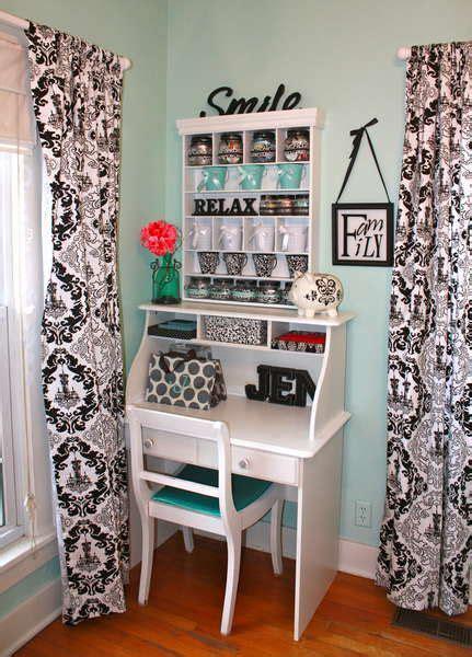 Small Desk Area Best 25 Scrapbook Rooms Ideas On Pinterest Scrapbook Organization Scrapbook Storage And