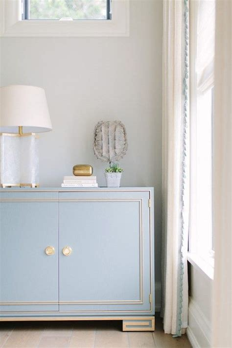 color spotlight benjamin moore classic gray decor