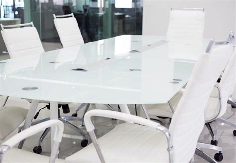 sell old office furniture and give your office a makeover