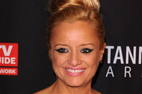 lucy davis eyes lucy davis relieved to have addressed bulimia issues
