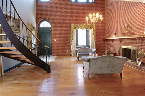 Tiny House Victorian 200 Year Old Brick Home Gets Unusual Remodel Hooked On