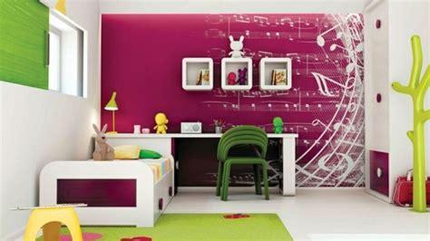 wohnzimmer zweifarbig feuerwehr idee kinderzimmer