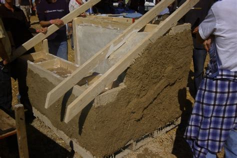 straw bale dog house val phillips and mark schneider how to make a strawbale