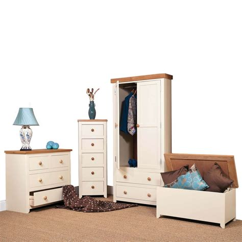 Jamestown Bedroom Furniture Jamestown Six Drawer Wide Chest