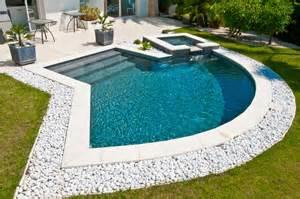 Awesome Salon De Jardin Carre #12: Dossier_mini_piscine_Diffaz.jpg