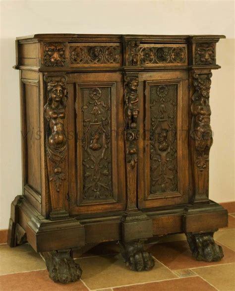 credenze medievali valutazione mobili antiquares