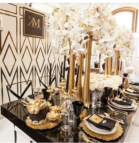 Black and Gold Reception Table Layout   Lavish and Opulent