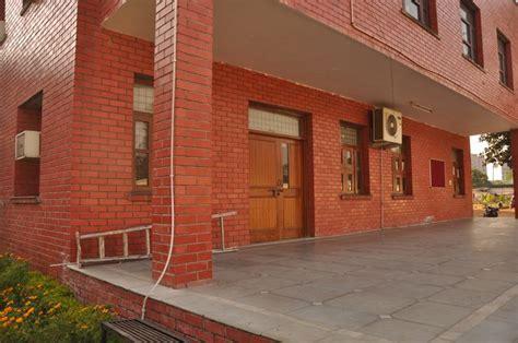 gambar bata expose solusi desain eksterior bangunan pusat jual rumah  rebanas rebanas
