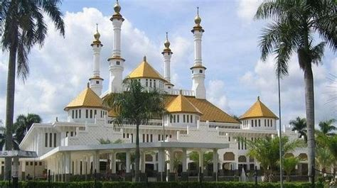 wallpaper masjid agung bandung 10 best images about mosque in indonesia on pinterest