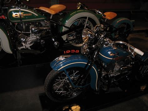 original paintantique and vintage harley davidsons 1936 1947 green harley davidson motorcycles