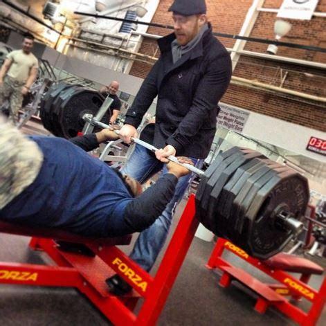 mark henry bench press mark henry tries to bench press 765 pounds stillrealtous com