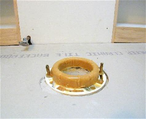 Seal Plumbing Questions by Toilet Leak On Floor Around Bowl Doityourself Community Forums
