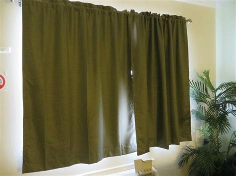 Pea Green Curtains Picture Of Emerald Sands Inn Milton