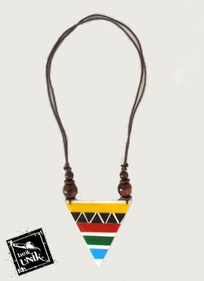 Kalung Etnik Pelangi kalung resin tali tarik motif segitiga pelangi kalung