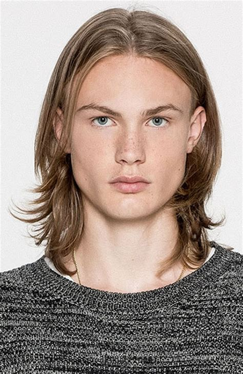 center part mens hairstly middle part hairstyles mens hairstyles
