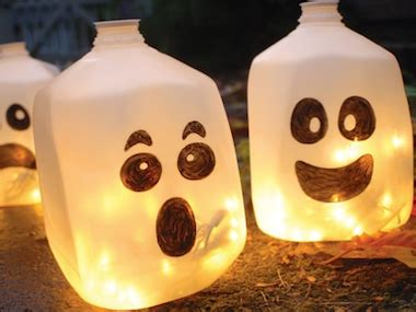 halloween decorations easy to make at home diy halloween decorations 19 easy inexpensive ideas
