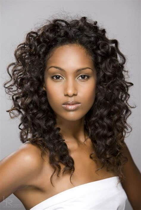 What Are Some Good Hairstyles For Women With A Square Jaw | good hairstyles for curly hair women