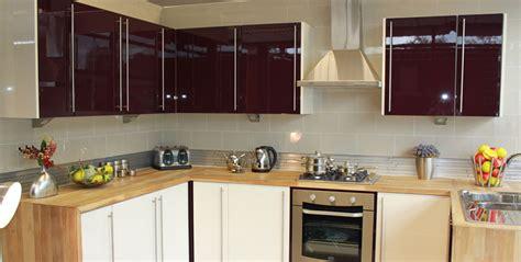 aubergine high gloss kitchen
