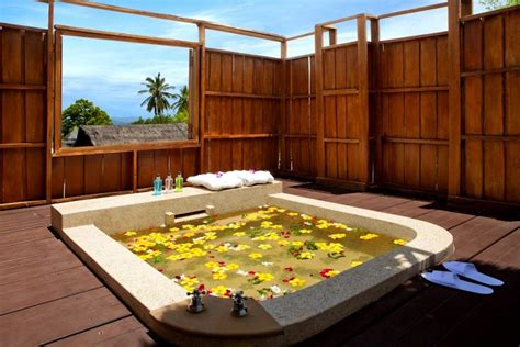 tropical bathroom ideas 10 eye catching tropical bathroom d 233 cor ideas that will