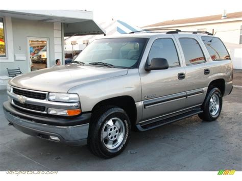 Florida Power And Light Company 2001 Chevrolet Tahoe Ls In Light Pewter Metallic 124916