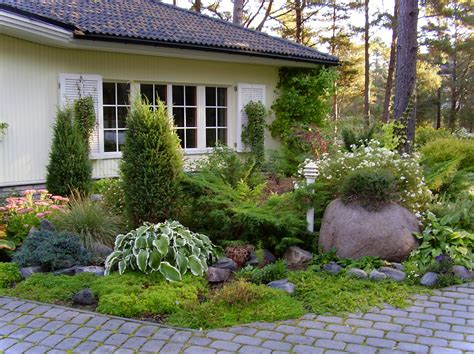 Front Garden Designs And Ideas Landscaping Home Garden Design In Cottage Design Home