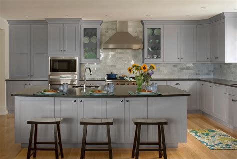 gray shaker kitchen cabinets grey shaker kitchen cabinets quicua com