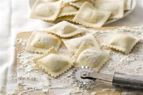cucinare ricotta ravioli ricotta e spinaci cucinare it