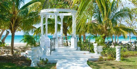 Destination Wedding Locations: Choices at Beaches Negril
