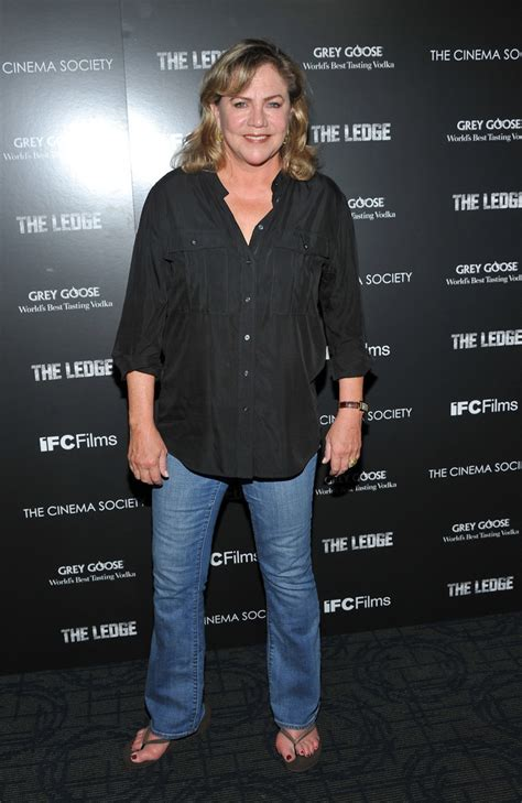how tall is kathleen turner and weight kathleen turner s feet