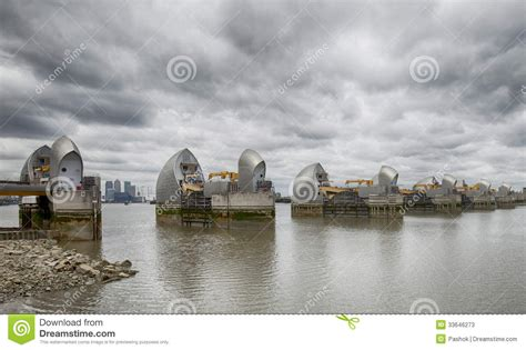 thames barrier reef barrier stock photos image 33646273