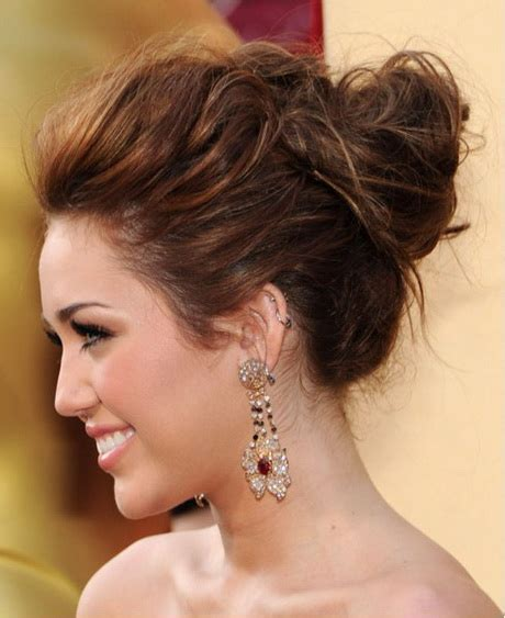Updo Hairstyles by Hairstyles Updo Pictures