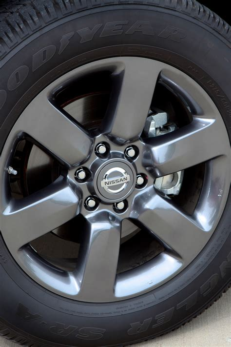 Wheels Nissan Titan 2012 nissan titan wheels 2 180479 photo 21 trucktrend