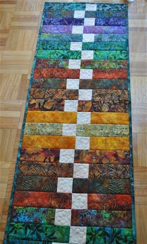 pattern quilted table runner 70 best table runner quilt patterns images on pinterest