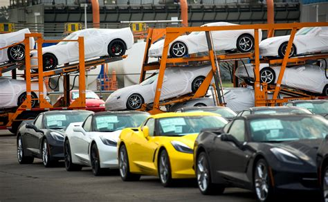 corvette plant bowling green kentucky corvette factory in kentucky gets 439 million for new