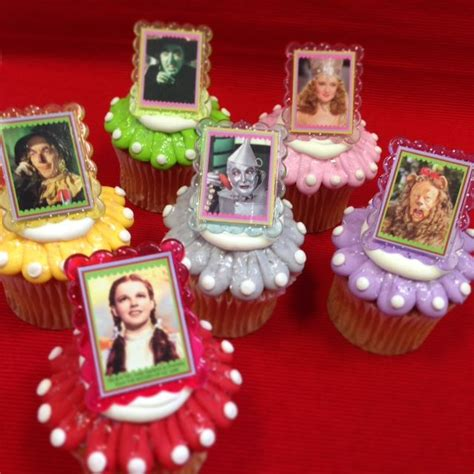1000 images about wizard of oz on cupcake