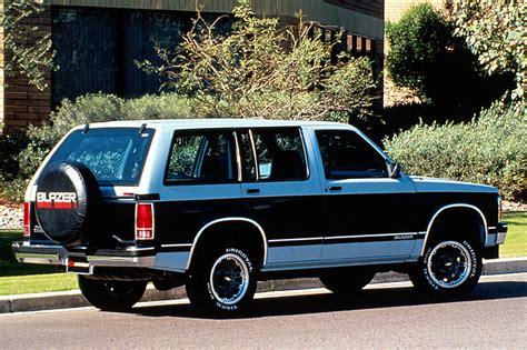 download car manuals 1994 chevrolet s10 blazer interior lighting 1990 94 chevrolet s10 blazer consumer guide auto