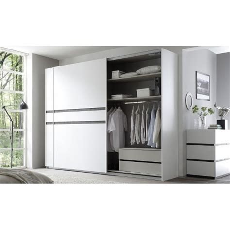 White High Gloss Bedroom Furniture Sets Uk by White Shiny Bedroom Furniture Bedroom Design