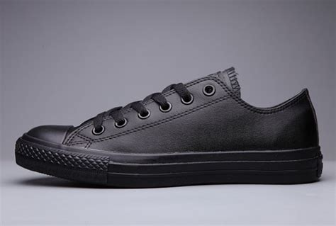 Converse Low Tops Clasic Coklat classic converse chuck all black leather