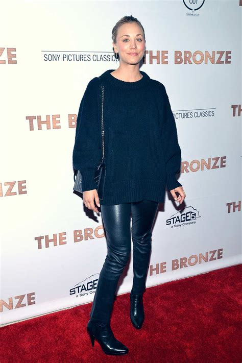 kaley cuoco attends  premiere   bronze leather
