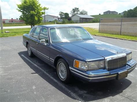 lincoln classifieds classifieds for classic lincoln town car 11 available