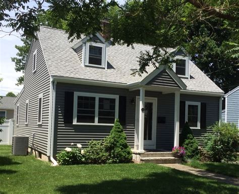 Charcoal Gray Siding Images - 1000 images about siding colors on polymers