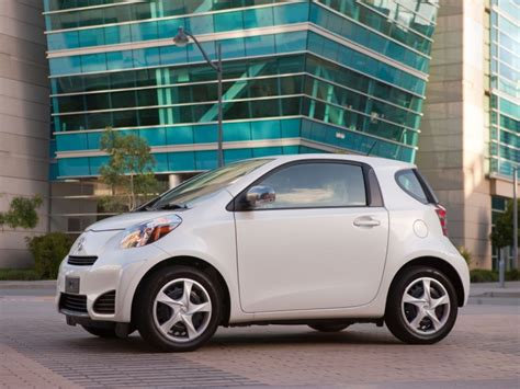 really small cars 10 very small cars with big benefits autobytel com
