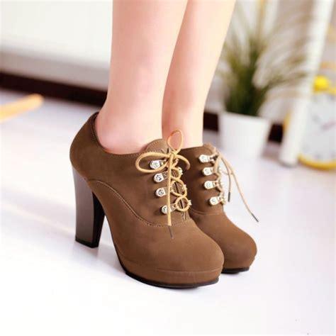 High Heels Cewek tips memilih sepatu high heel buat kamu si kaki lebar