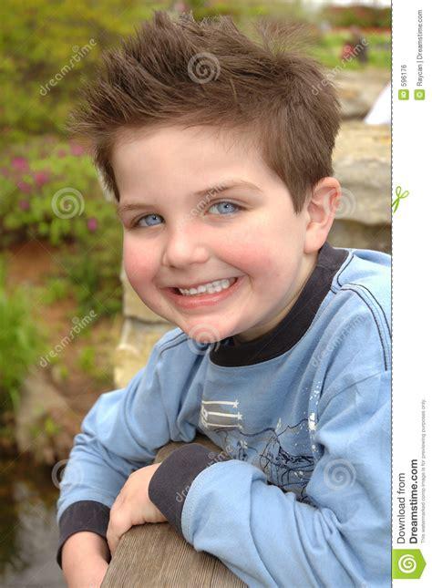 imagenes de niños ojos azules ojos azules grandes imagen de archivo libre de regal 237 as