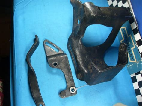 sell chevy   cylinder power steering pump brackets oem   motorcycle  caribou maine