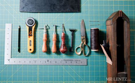 How To Make A Handmade Wallet - how to make a leather wallet mr lentz leather goods