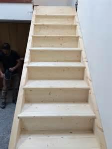rivestire scala in legno come costruire una scala in legno cossio attilio srl