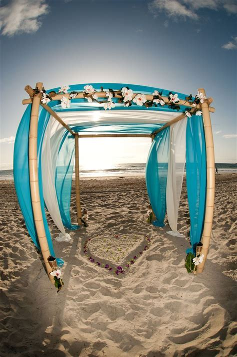 Beach Wedding Arch Ideas ? Beach Wedding Tips