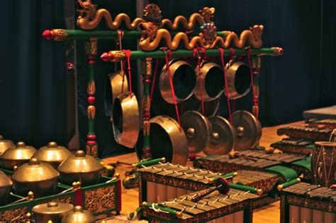 Perkembangan Gamelan Indonesia   Alam Maya